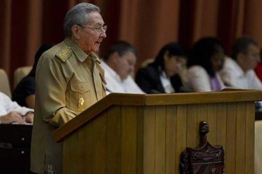 Raul Castro: Devrimi yok etmek isteyenler başarısız olacak