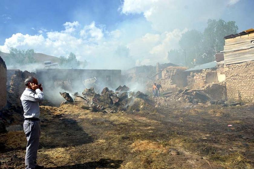 Erzincan'da yangın: 9 ev etkilendi, 5 kişi hastanelik oldu
