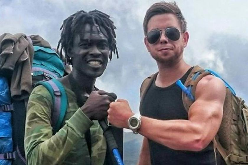 'Yürüyemiyorum' diye yardım alıp Klimanjaro'ya tırmandı