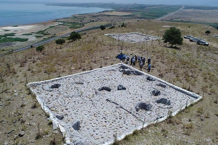 Manisa'da 3 bin 500 yıllık tahıl ambarları bulundu