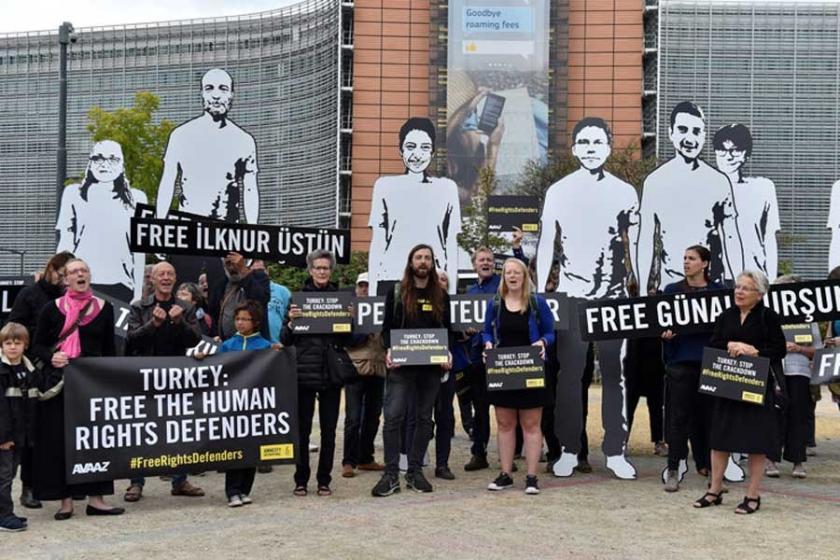 Hak savunucuları için AB Komisyonu önünde eylem