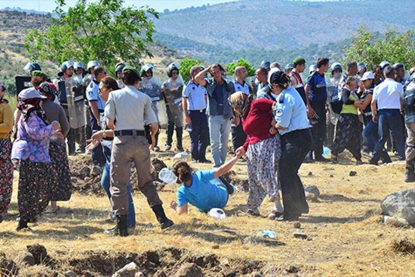 Ağaçların sökülmesine karşı köylülerden 10 saatlik direniş