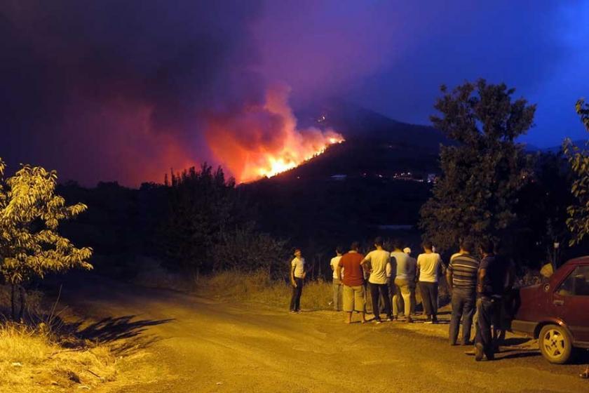 Bayındır yangını Manisa'ya sıçradı 2 bin kişi tahliye edildi