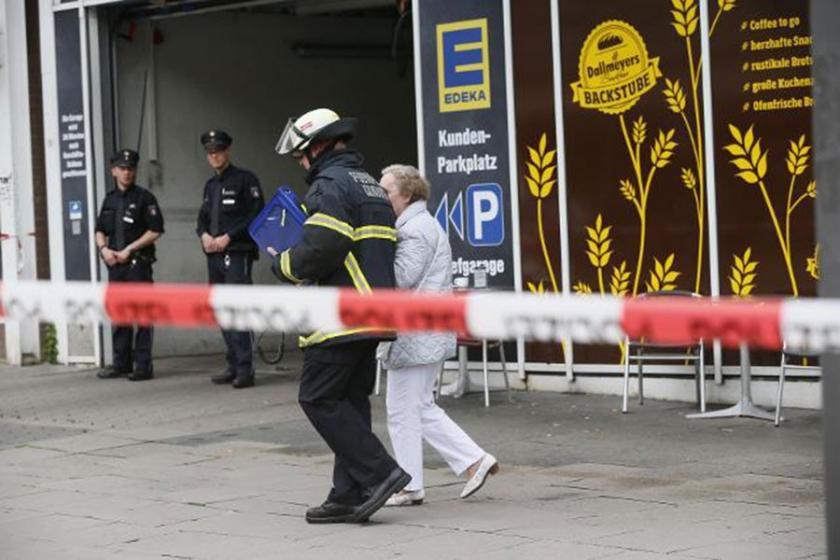Almanya'da bıçaklı saldırı: 1 ölü