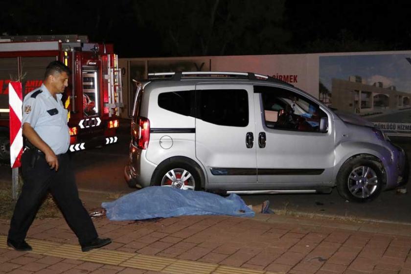 Antalya'da motokurye kazada öldü