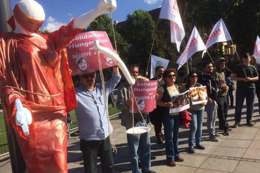 HDK'den Stuttgart'ta Nuriye ve Semih için eylem