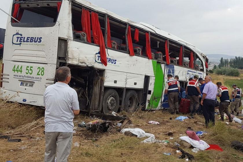 Yolcu otobüsü şarampole yuvarlandı: 6 ölü, 35 yaralı