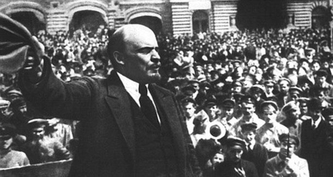 Tarih çarkı devrimden yana döndüğünde…