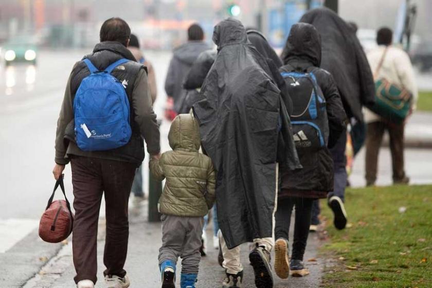 İltica politikasını protesto için İsveç'e iltica ettiler