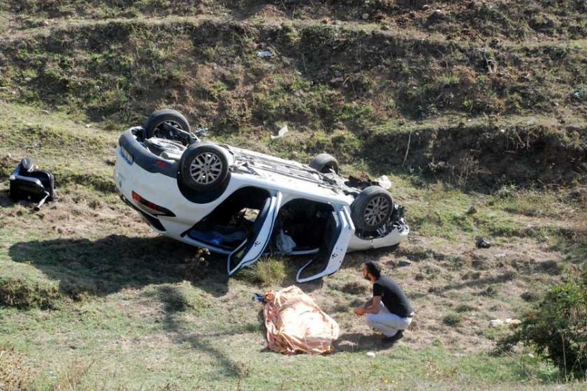 Okul yolunda kaza: 1 öğretmen öldü, 2 öğretmen yaralı