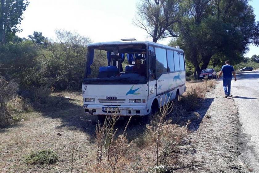 Çanakkale'de işçi midibüsü devrildi: 12 yaralı