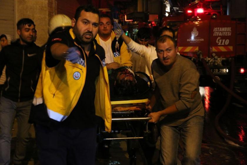 Beyoğlu'da yangın: 3 kişi ağır yaralandı