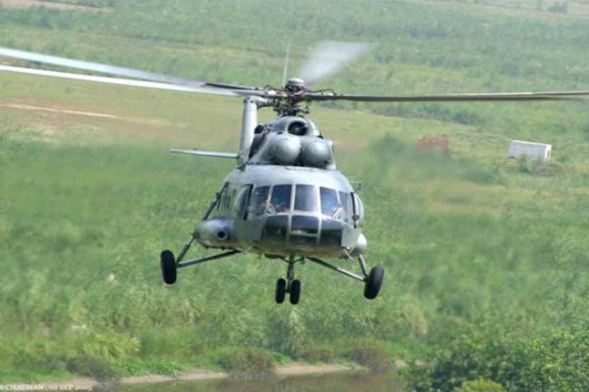 Hindistan'da askeri helikopter düştü: En az 5 ölü