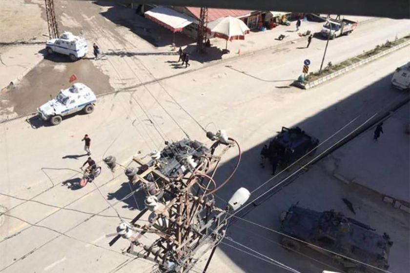 Yüksekova'da 4 kişiyi öldüren polisin tahliyesine tepki