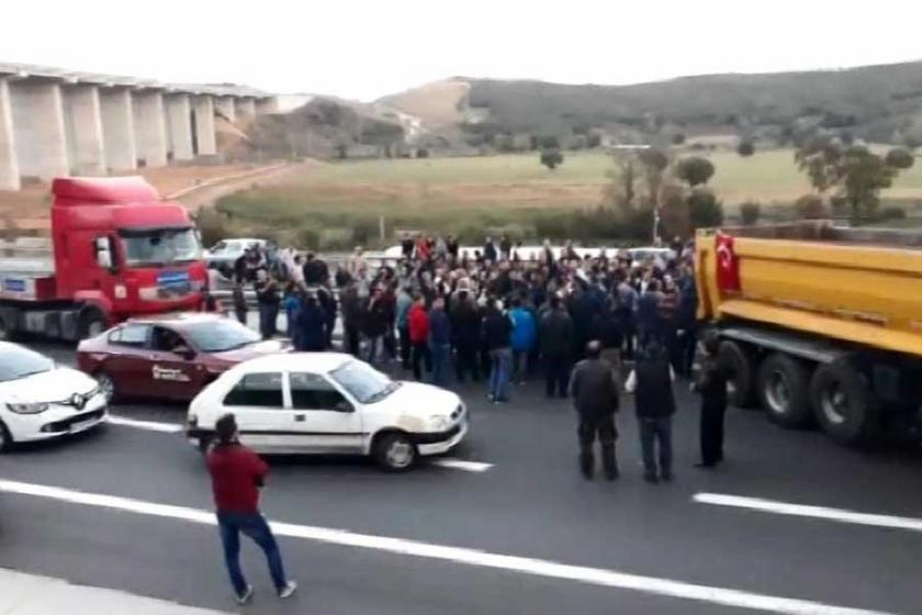 Beykoz'da mahalleli yolu trafiğe kapattı