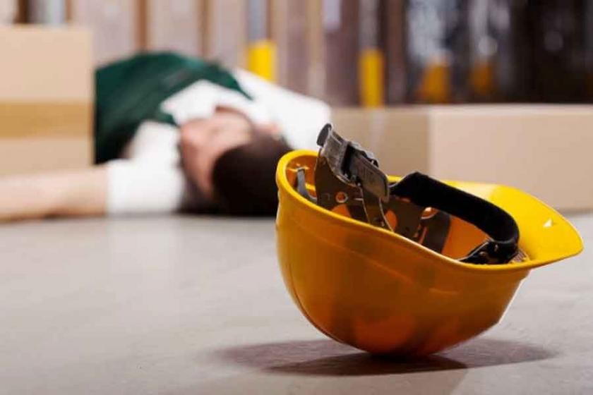 Kocaeli'de inşaattan düşen işçi ağır yaralandı