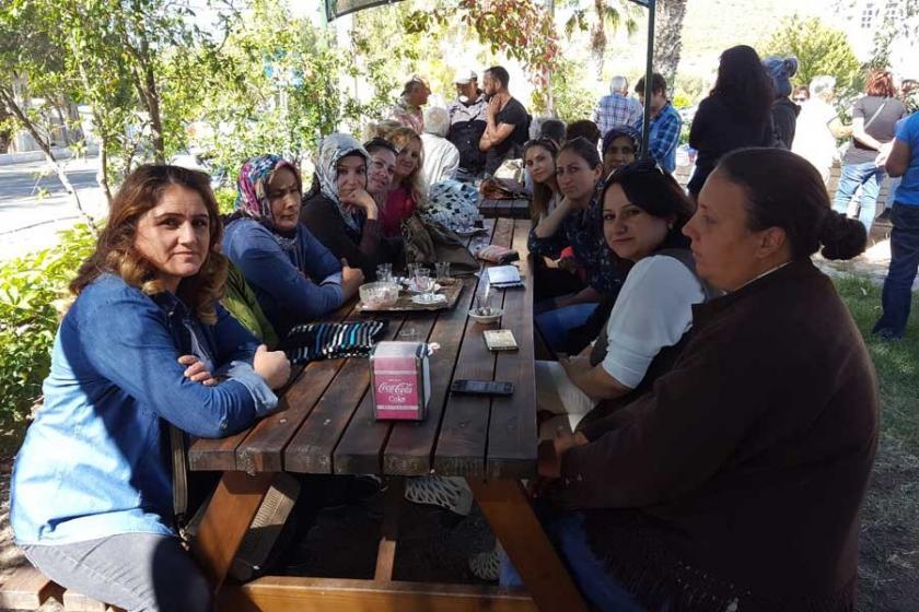 Foça'da servis isyanı: Çocuğumuzun okul servisini geri verin
