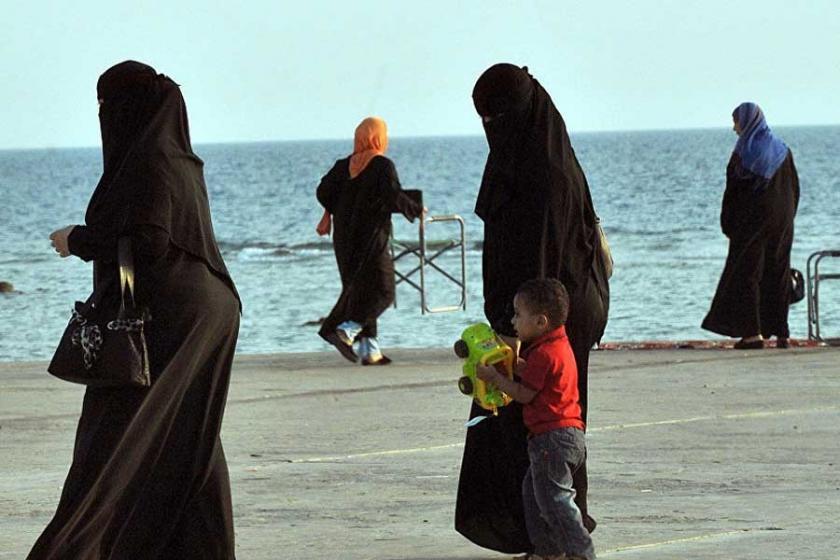 Suudi din adamı, tecavüzden kadınları sorumlu tuttu