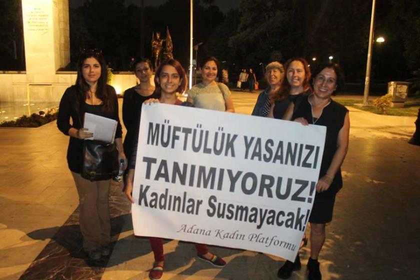Adana'da kadınlar müftüye nikah yetkisine tepki gösterdi