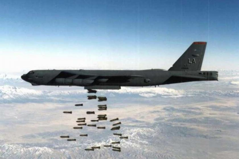 ABD B52'lere nükleer füze yükledi
