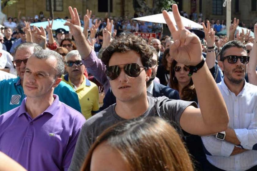 Malta'da binler öldürülen gazeteci Galizia için yürüdü