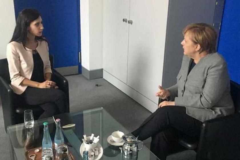 Merkel, Deniz Yücel'in eşi ile görüştü