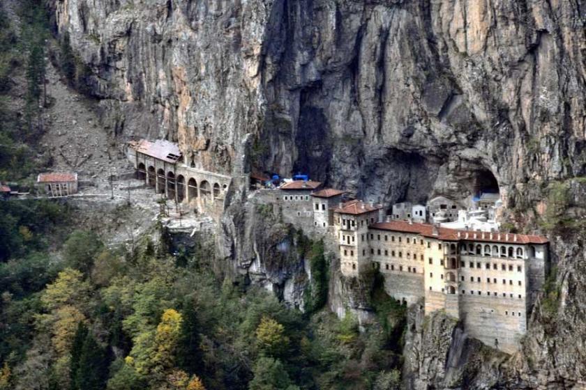 Sümela Manastırı dinamitle 'patlatılıyor'