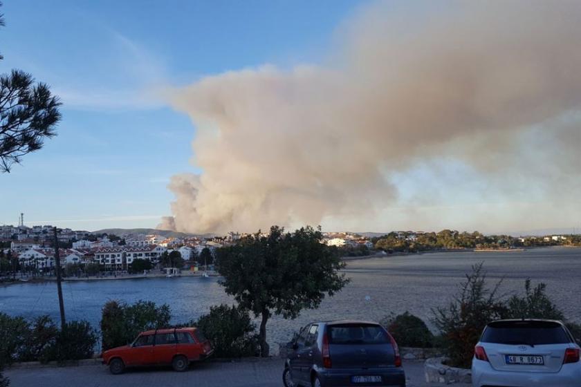 Datça'da ormanlık alanda dün çıkan yangın sürüyor