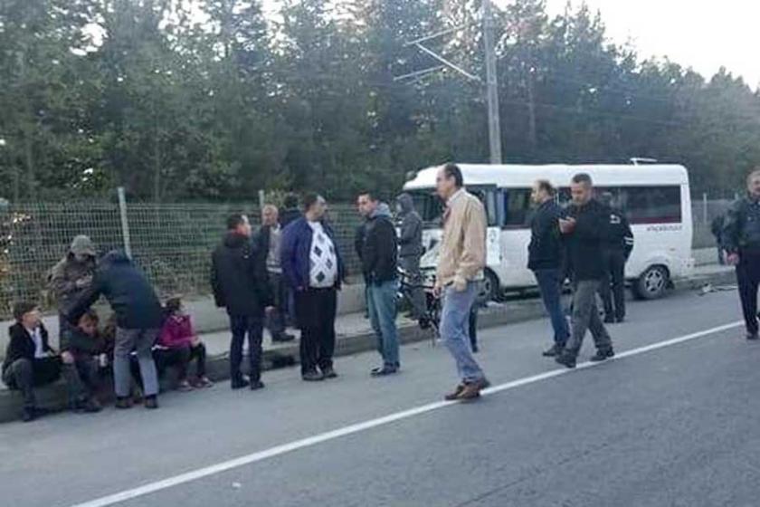 Eskişehir'de öğrenci servisi kamyonete çarptı: 9 yaralı