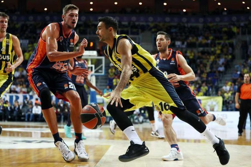 Euroleague'de Fenerbahçe,  Valencia Basket'i 79-66 yendi
