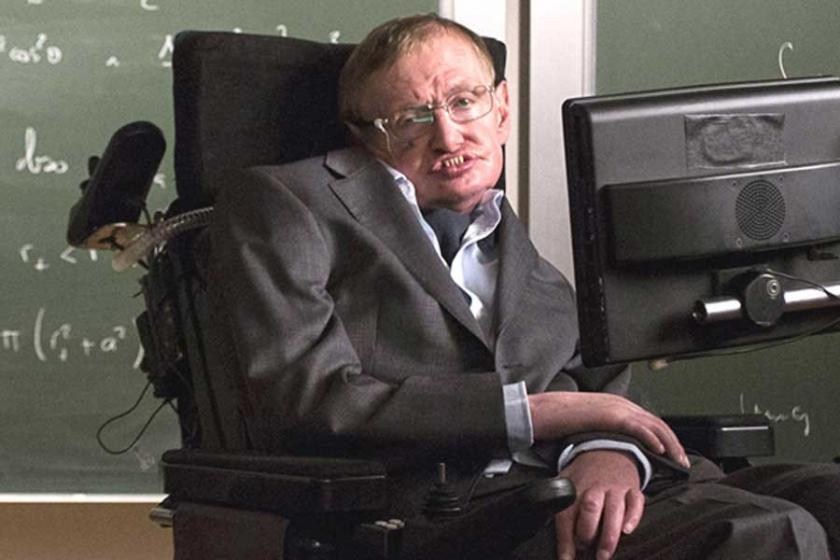 Fizik profesörü Stephen Hawking hayatını kaybetti