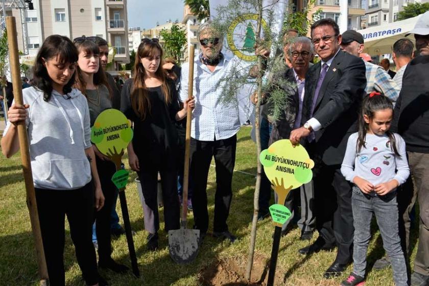 Öldürülen çevreci Büyüknohutçu çifti için park açıldı