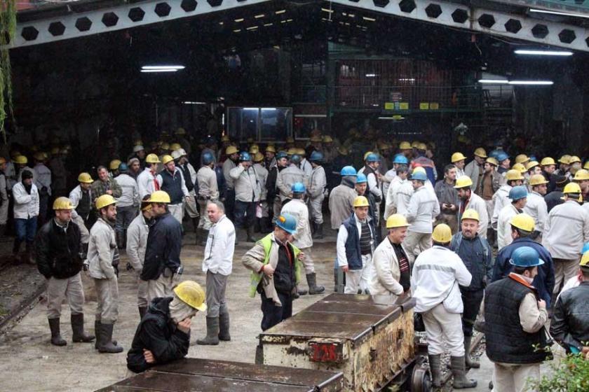 Grev yapan madenciye 'para cezası' bildirisi