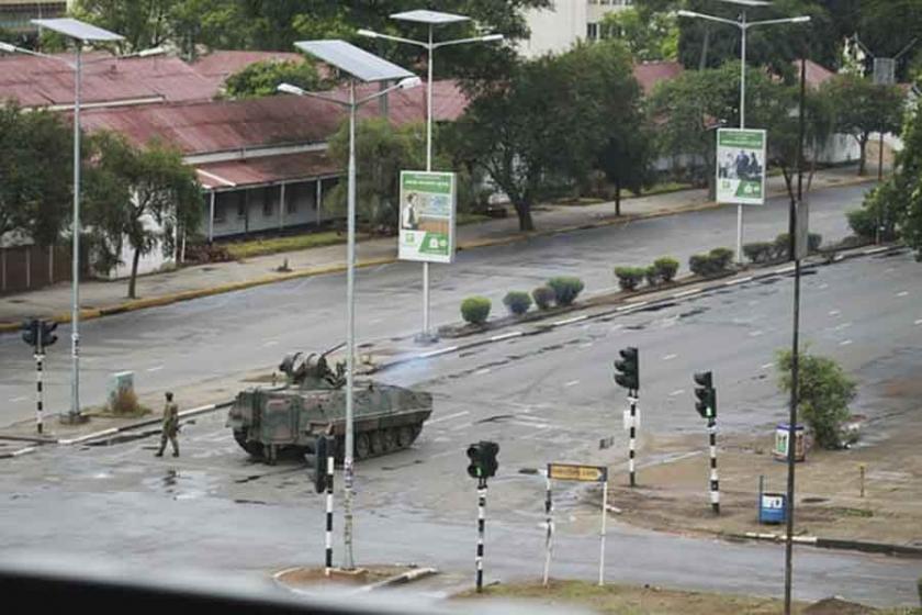 Zimbabve'de askeri müdahale: Mugabe ev hapsinde