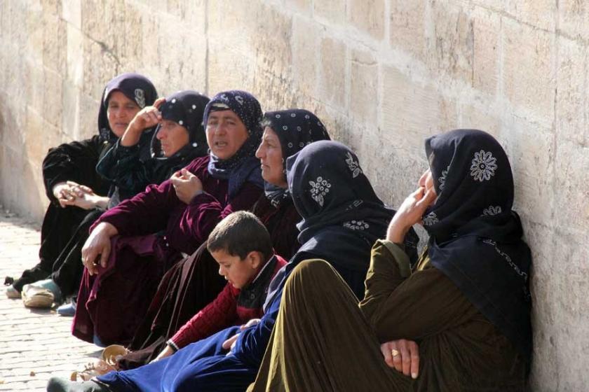 Urfa'da tarlada ilaçlama yapan genç öldü