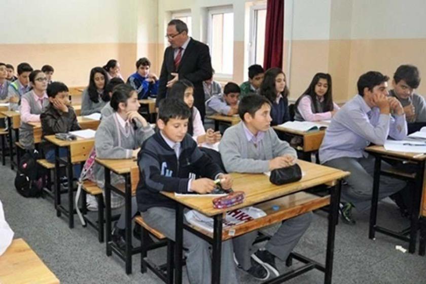 Din dersi öğretmenliğine ilahiyat mezunları atanamayacak
