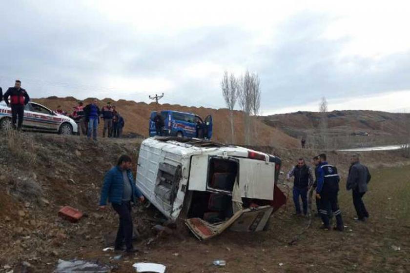 Yozgat'ta engelli öğrencilerin servisi devrildi: 13 yaralı