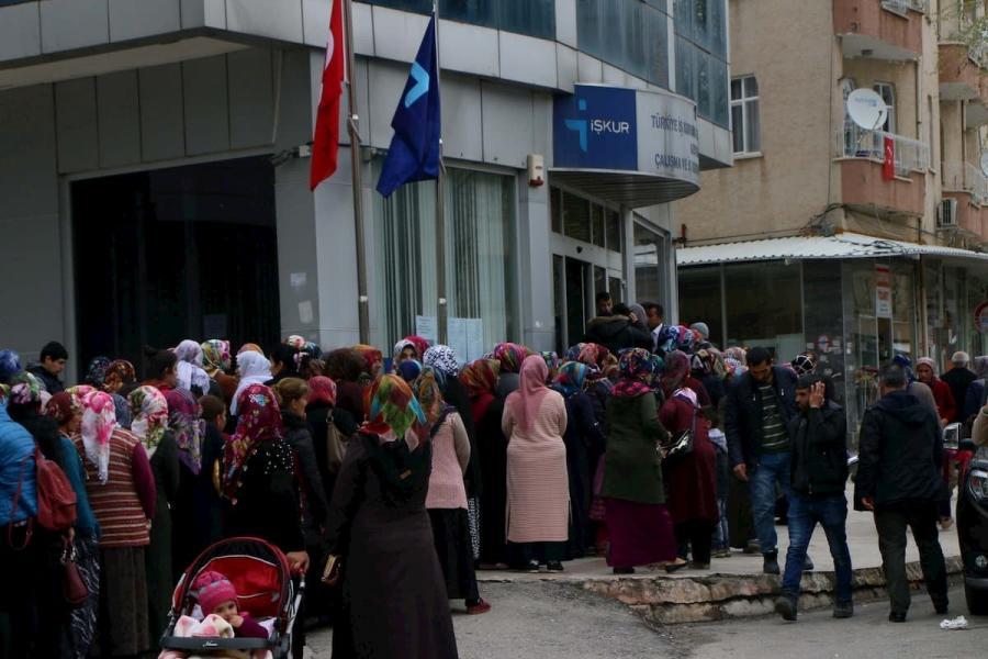 Unemployment in Turkey remains at peak levels: 14.7%