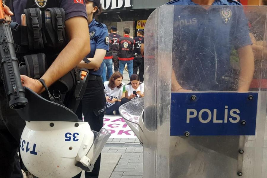 The operation against also the opposition front through HDP