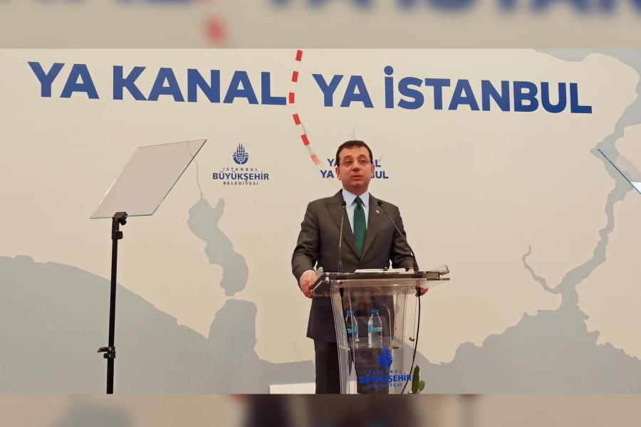 """Istanbul Metropolitan Municipality (IMM) Mayor Ekrem İmamoğlu held a press conference at the IMM's building in Saraçhane concerning the """"Istanbul Canal"""" controversy."""