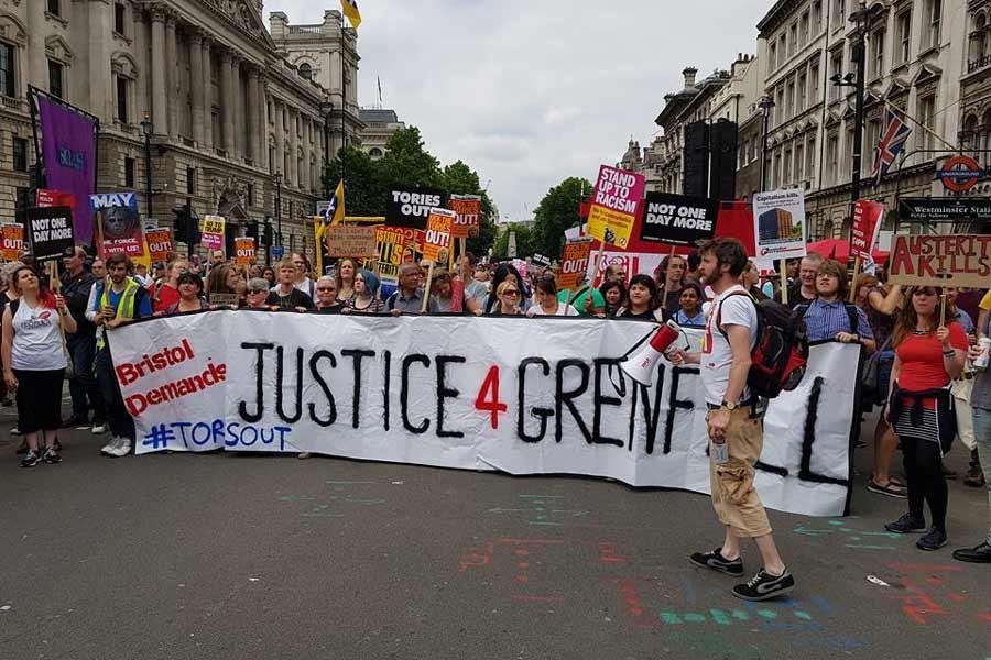 Thousands march on Parliament in London against Tories