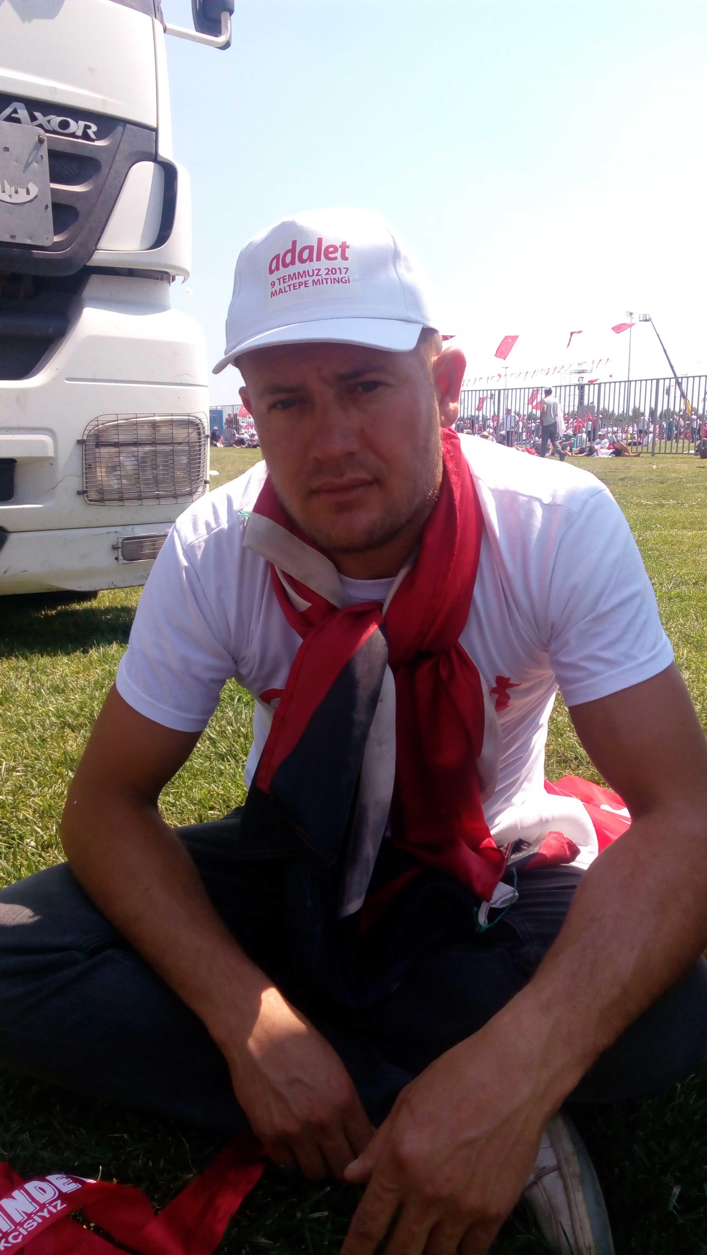 Özal Kahraman