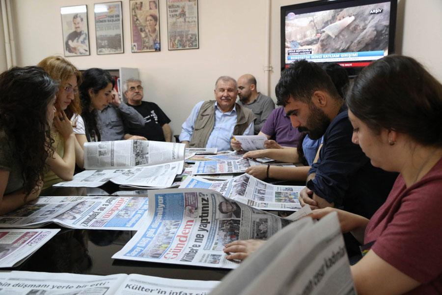 İhsan Çaralan, 19 Eylül'de Özgür Gündem'in nöbetçi genel yayın yönetmeni olmuştu.