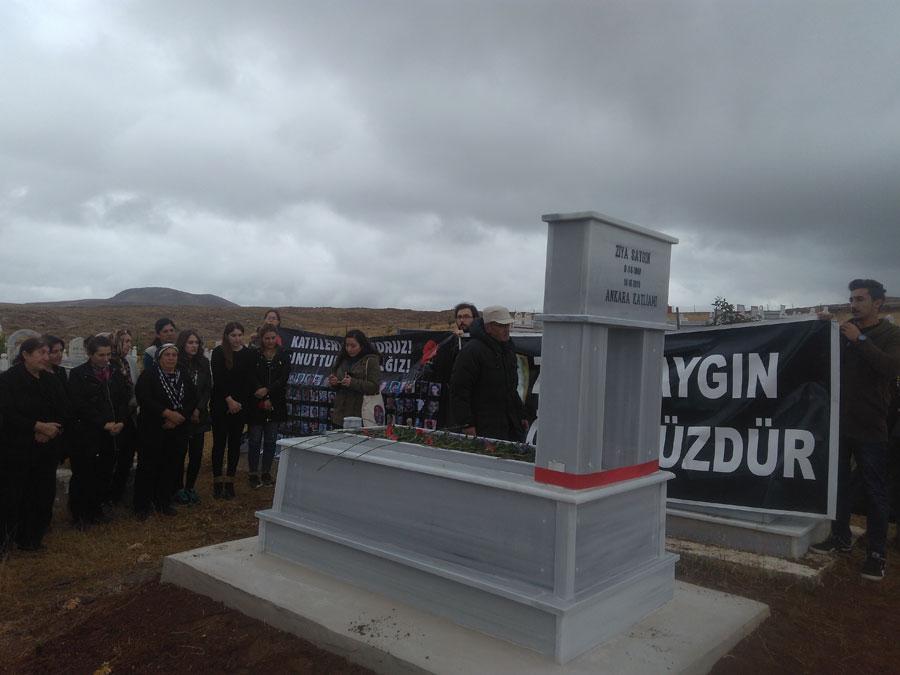 Ankara Katliamı'nda yaşamını yitirenler Sivas'ta anıldı