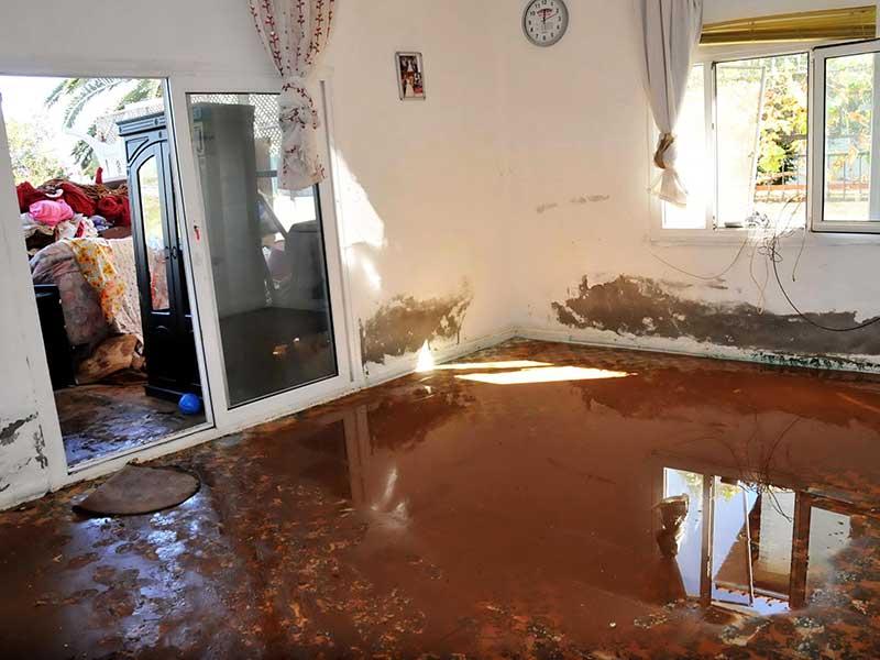 Bodrum'da su isale hattı patladı (Fotoğraf: DHA)