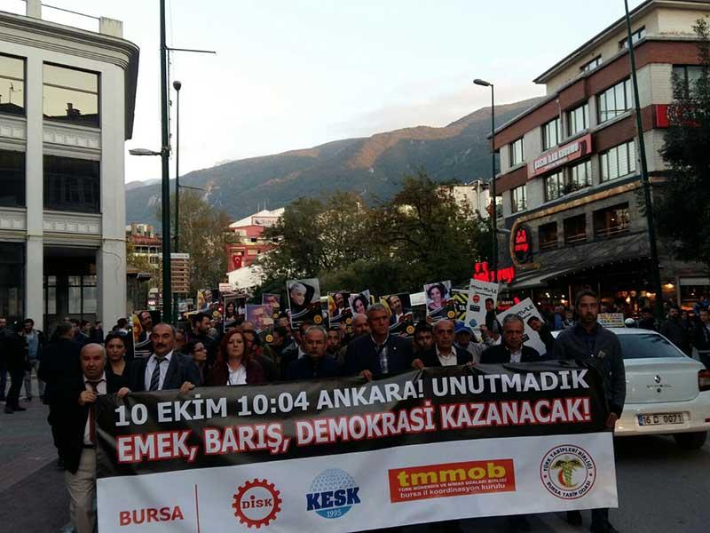 10 Ekim Ankara Katliamı'nda yaşamını yitirenler Bursa'da anıldı (Fotoğraf: EVRENSEL)