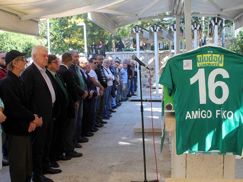 Bursaspor tribün liderlerinden Amigo Fiko uğurlandı (Fotğraf: DHA)