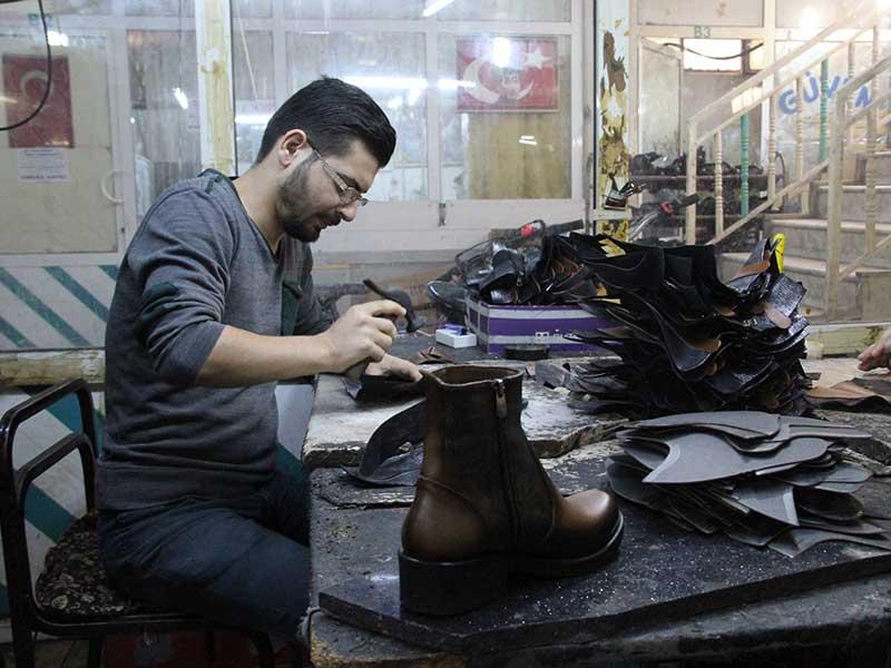 İzmir Işıkken Ayakkabıcılar Sitesi saya işçileri (Fotoğraf: Mezopotamya Ajansı)
