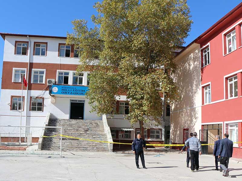 Kırıkkale'de öğrenciler bahçeye dökülen tuz ruhundan fenalaştı (Fotoğraf: DHA)
