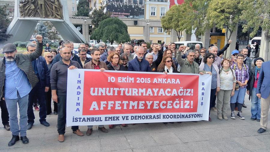 10 Ekim Katliamı'nda yaşamını yitirenler Bakırköy'de anıldı. Fotoğraf: Evrensel